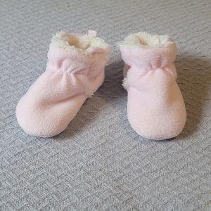 ❄Old Navy Pink Fleece Velco Booties